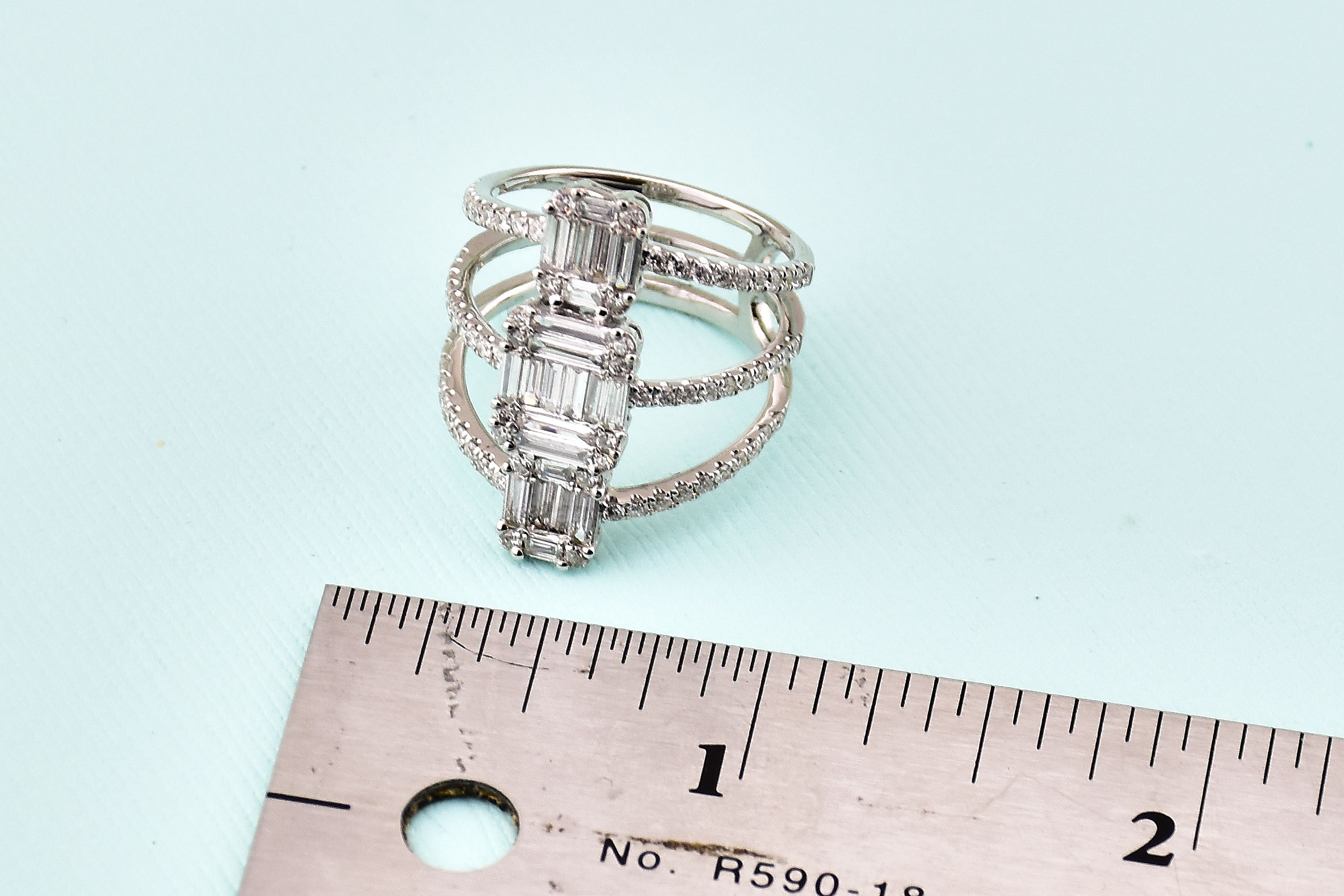 1.25 Carats Total Weight Diamond Cocktail Ring