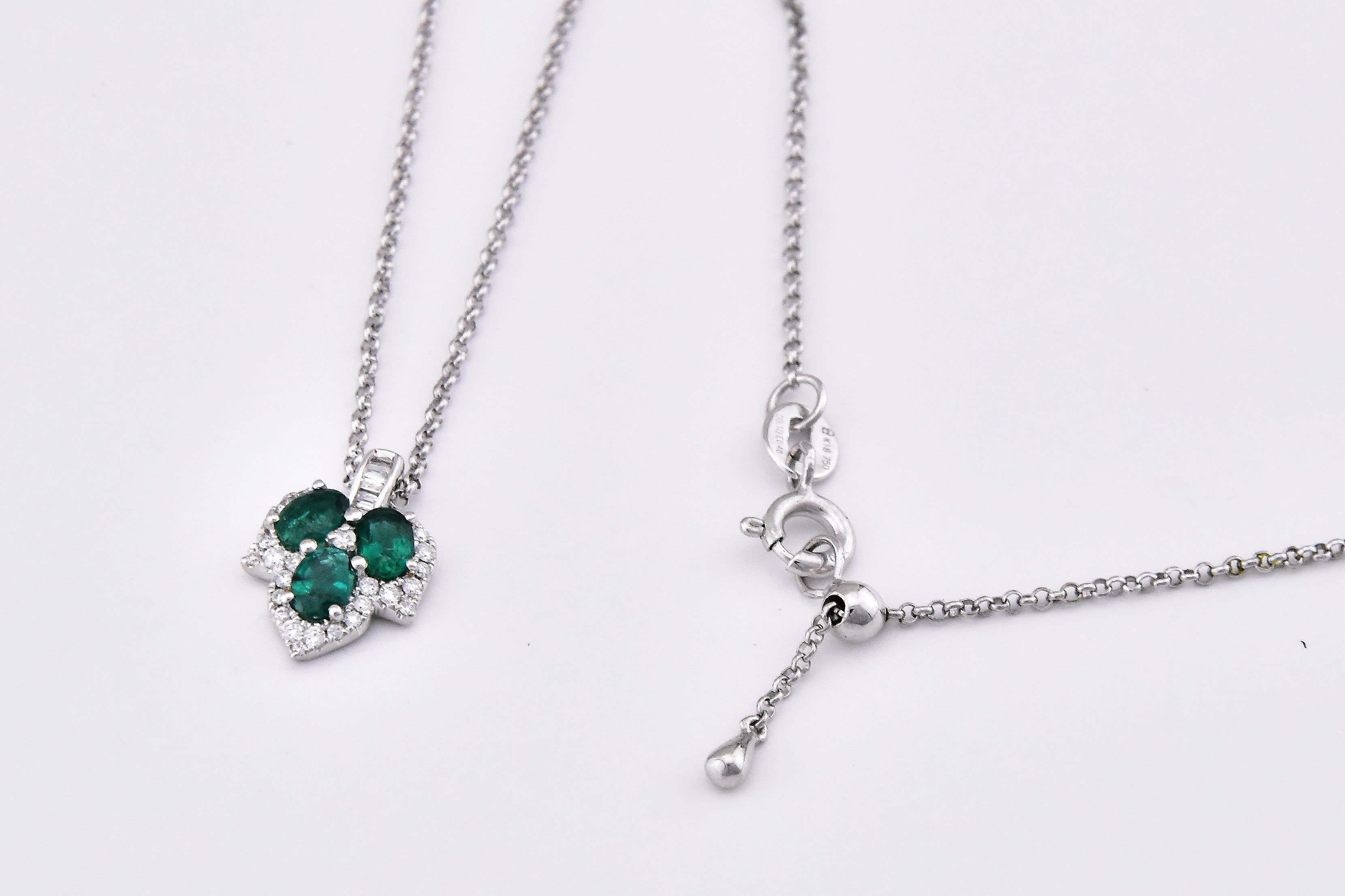 Leaf Design Emerald & Diamond Necklace