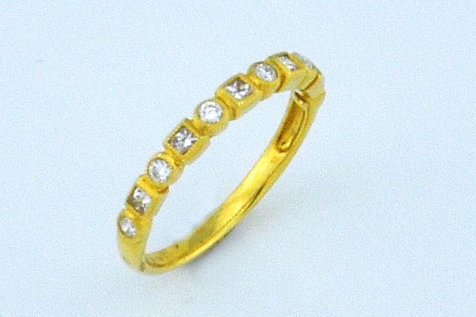 1/3 Carats Diamond Yellow Gold Band
