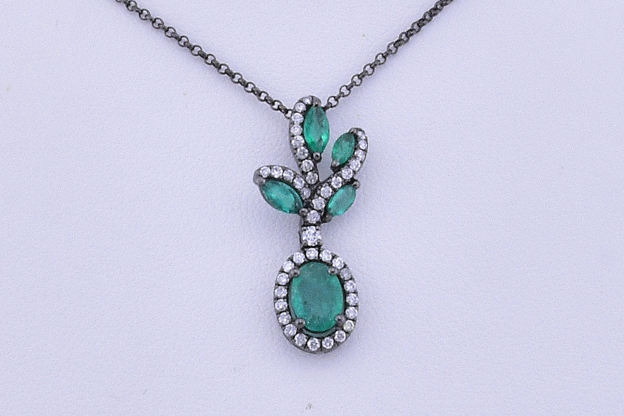 3/4 Carats Total Weight Emerald Diamond Necklace