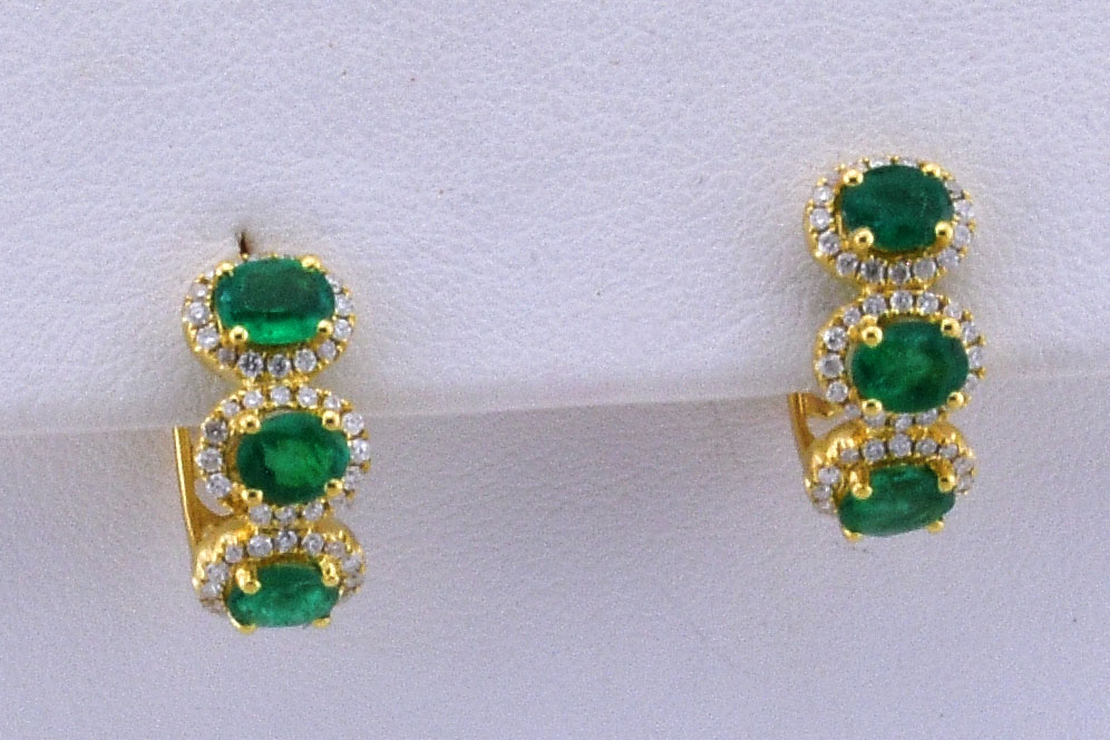 Over 1 Carat Total Weight Emerald Diamond Yellow Gold Earrings