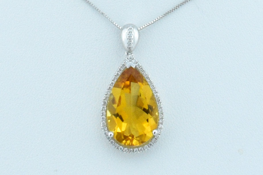 8 Carats Citrine Diamond Pendant