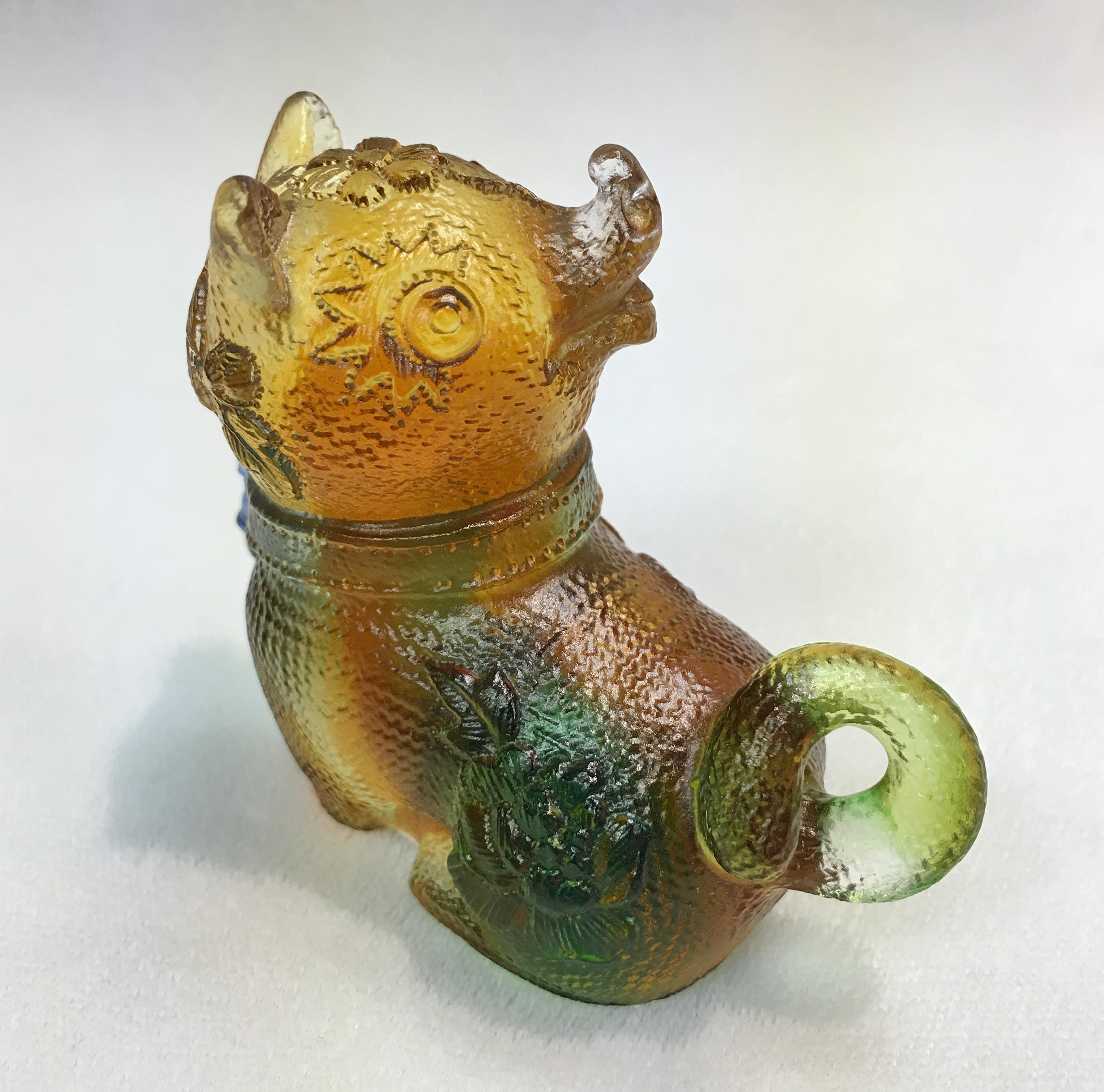 Liuli Chinese Glass Dog Sculpture