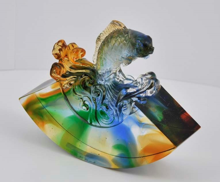 Liuli Chinese Glass Fish Figure 腾躍琉璃