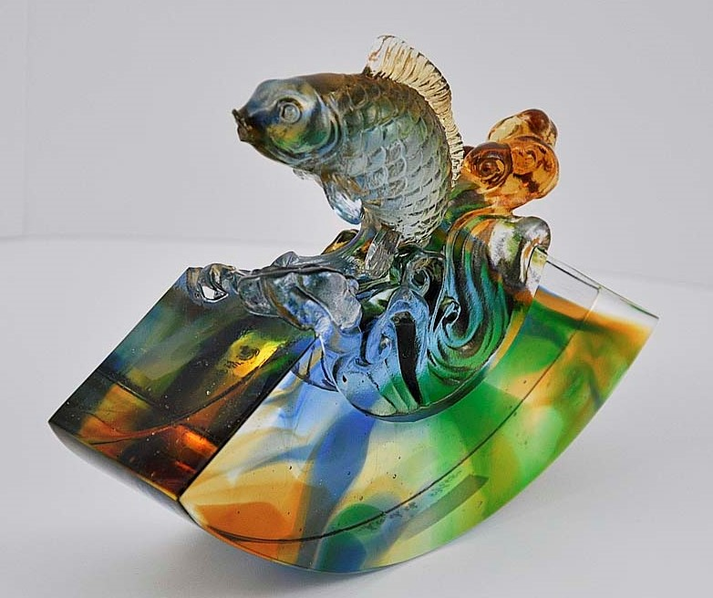 Liuli Chinese Glass Fish Figure 腾躍琉璃