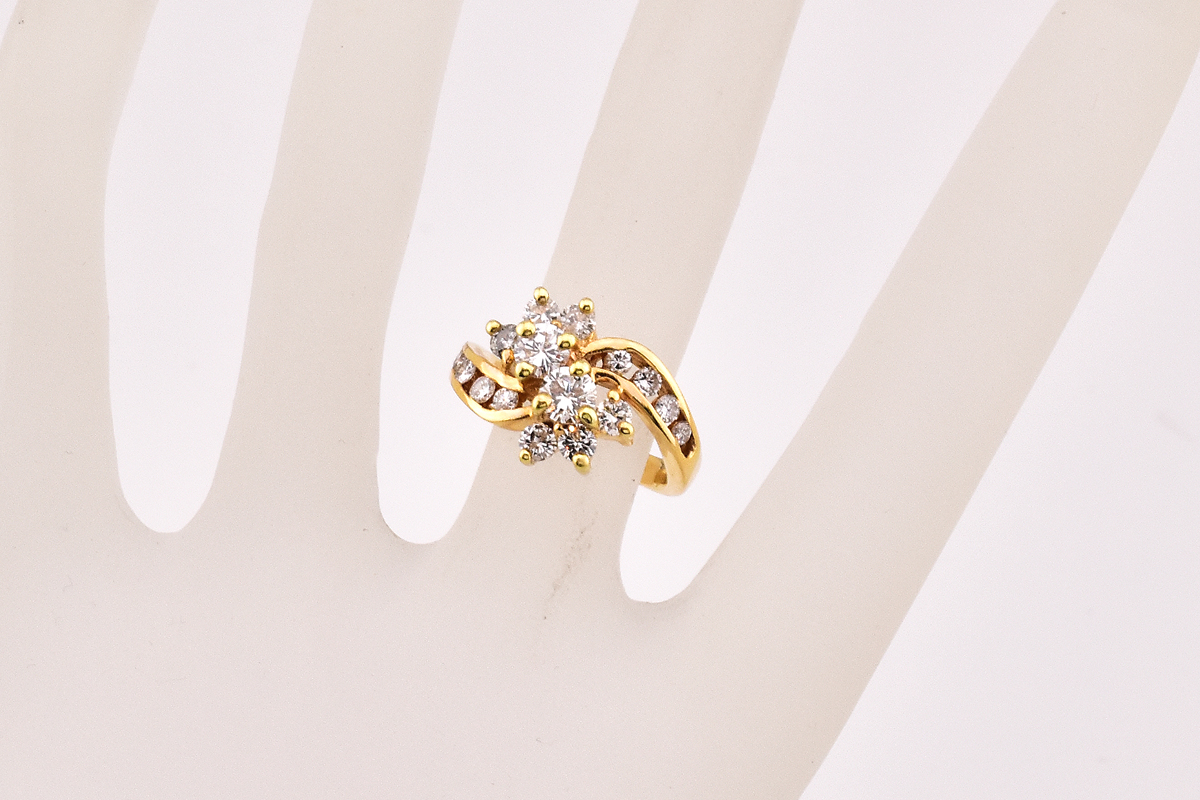 Shinning 14K Yellow Gold Diamond Ring