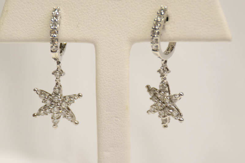 Shimmering 14K White Gold Diamond Earrings
