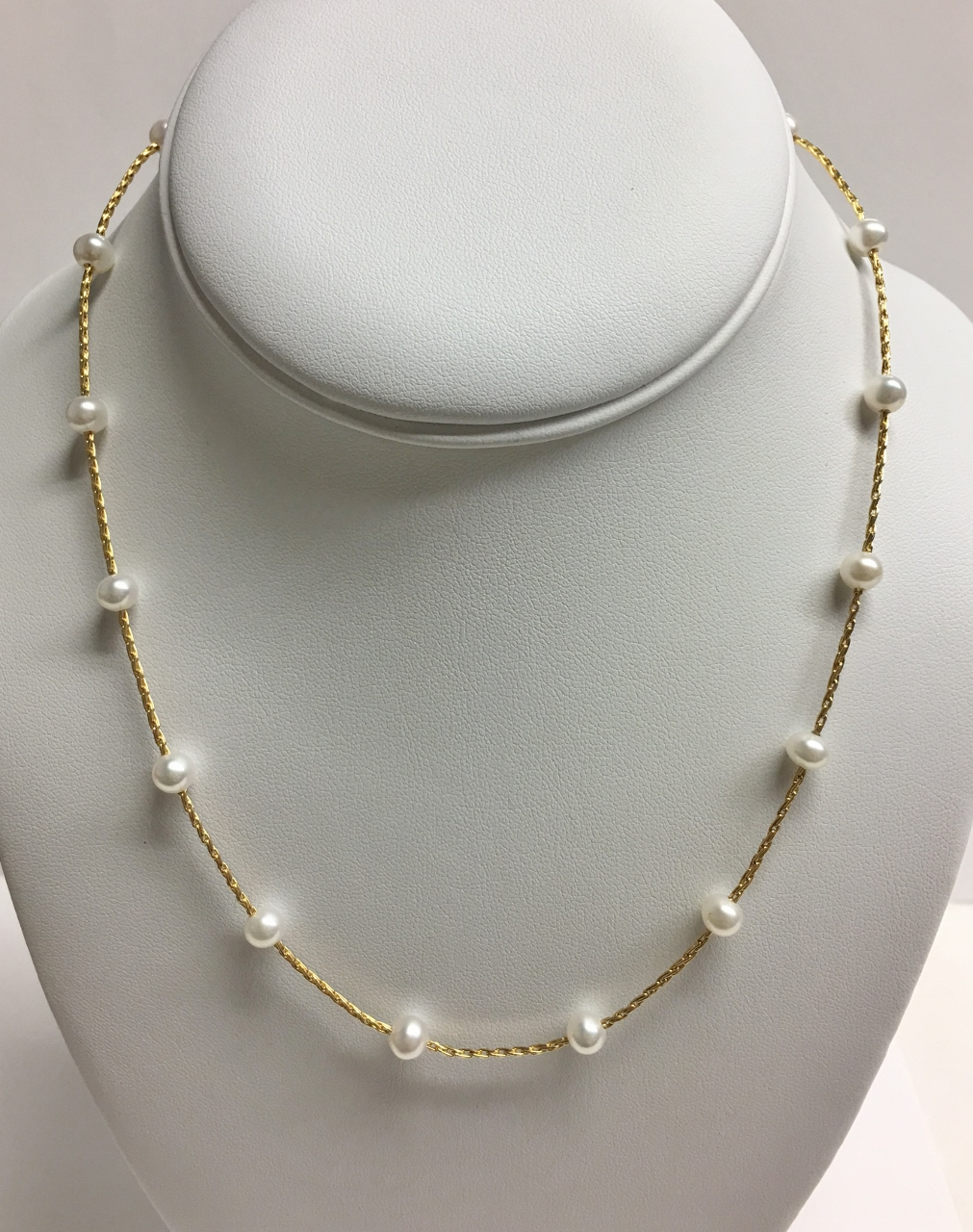 Station Pearl Necklace In Yellow Gold