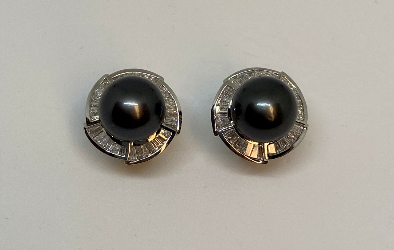 10 Millimeters Tahitian Pearl & Diamond Earrings