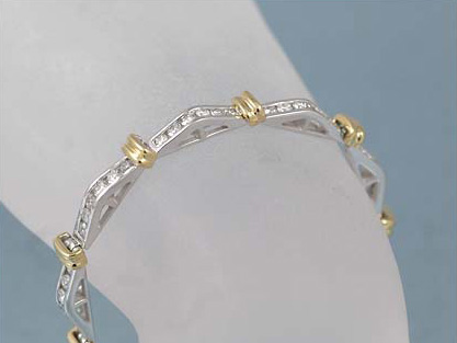 Beautiful 14K White & Yellow Gold 3 Carats Diamond Bracelet