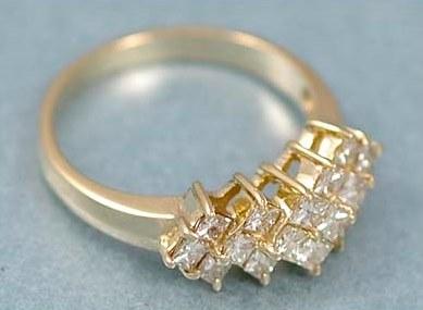 Shining 14K Yellow Gold 1.20 Carats TW Diamond Ring