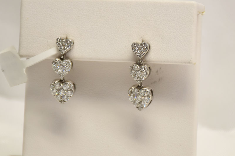 Adorable 14K White Gold 1.50 Carats TW Diamond Earrings