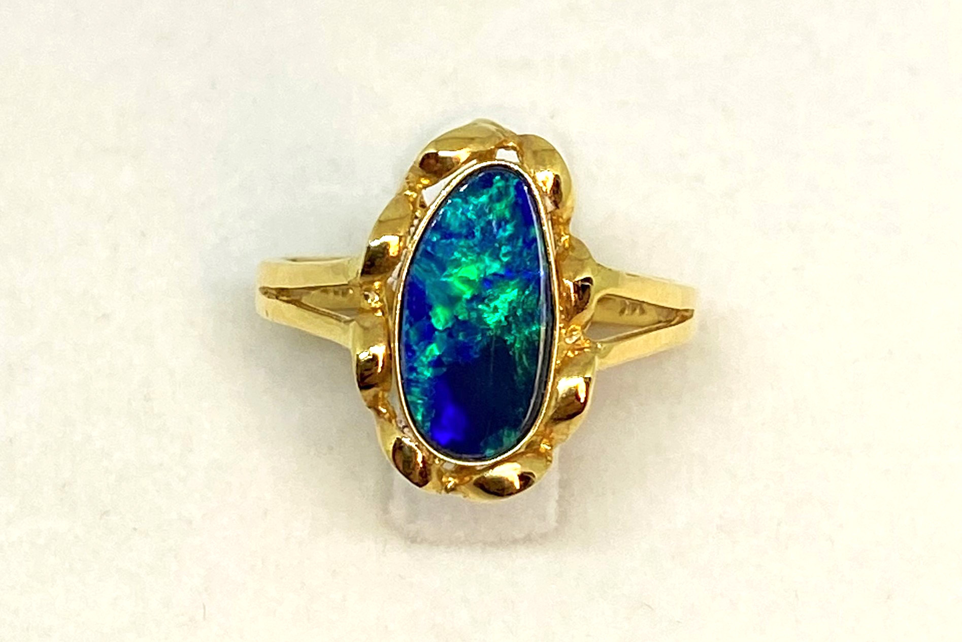 1 Carat Opal Yellow Gold Ring